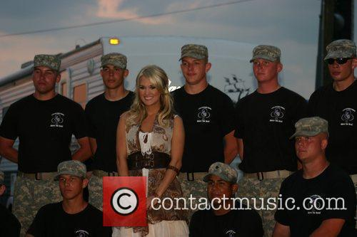 Carrie Underwood meets and performs for the soldiers...
