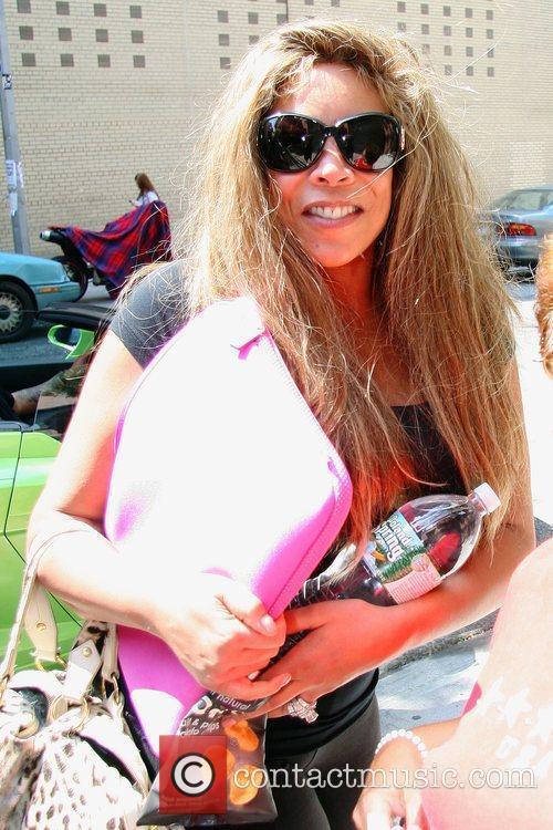 Wendy WIlliams leaving Fox studios in her lime...