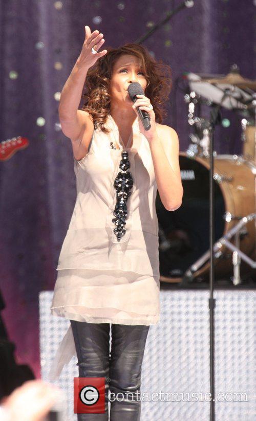 Whitney Houston 14