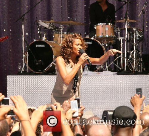Whitney Houston 28