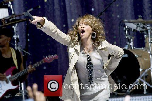 Whitney Houston 19