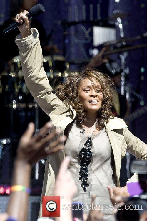 Whitney Houston 15