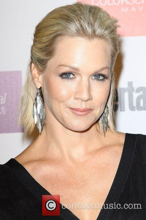 Jennie Garth and Entertainment Weekly 2