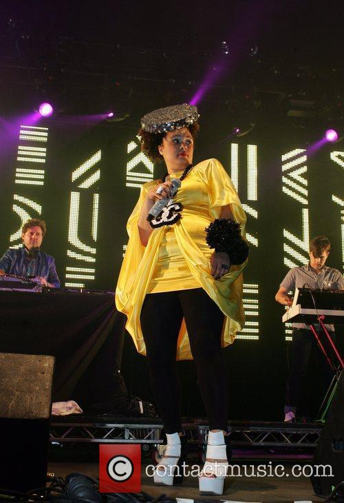 Sneaky Sound System and Wireless Festival 4