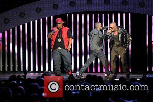 Wisin y Yandel performing on their 'La Revolucion...