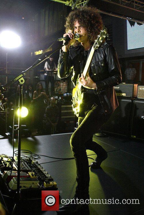 Andrew Stockdale and Wolfmother 6