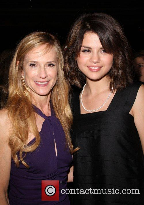 Holly Hunter and Selena Gomez 9
