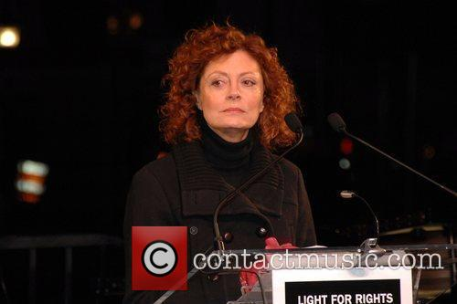Susan Sarandon World's AIDS Day 'Light for Rights'...