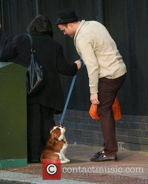 39 x factor 39 contestant olly murs pets a dog on his way for Way back house music