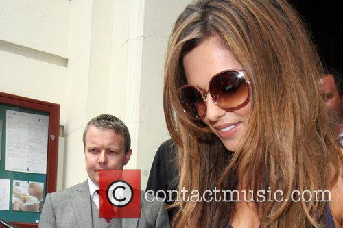 cheryl cole leaving her hotel 2481087