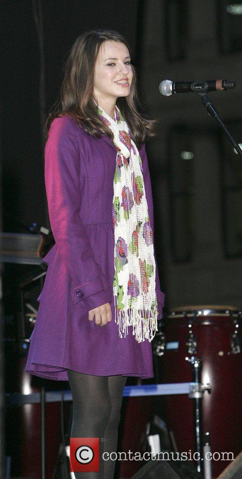 Faryl Smith 4