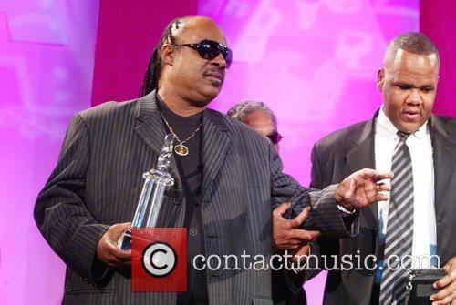 Stevie Wonder and Aapd Image Award Recipient 10