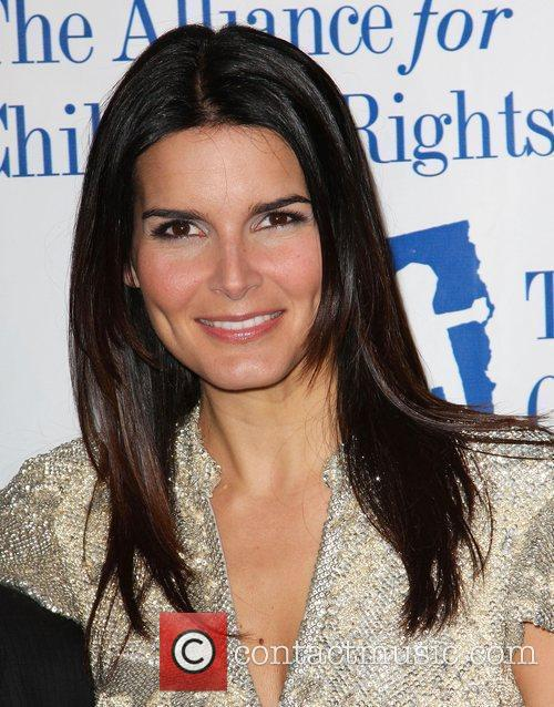 Angie Harmon and Law And Order 4