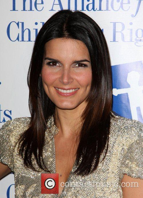 Angie Harmon and Law And Order 9