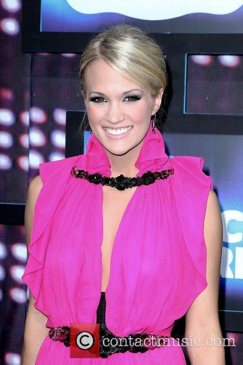 Carrie Underwood  2010 CMT Music Awards Blue...