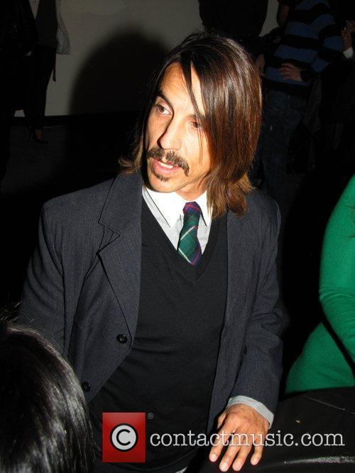 Fotos de Anthony Kiedis ♥ - Página 5 Anthony_kiedis_2698796