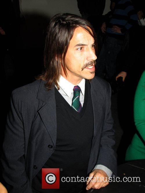 Fotos de Anthony Kiedis ♥ - Página 5 Anthony_kiedis_2698798