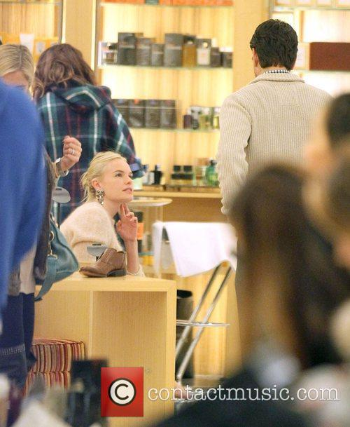 Kate Bosworth doing some last minute Christmas shopping...