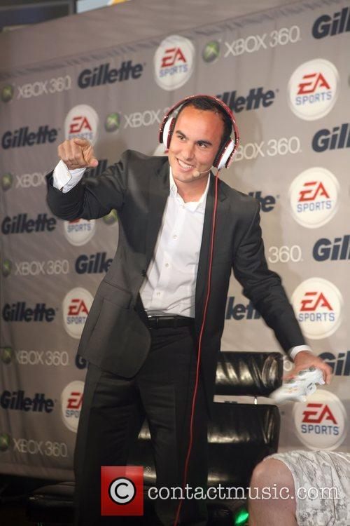Landon Donovan the Gillette - EA SPORTS Champions...