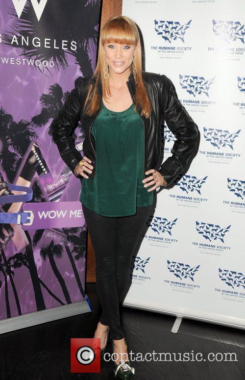 Kristen Renton 5