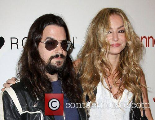 Shooter Jennings and Drea De Matteo 5