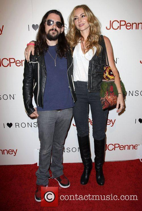 Shooter Jennings and Drea De Matteo 6