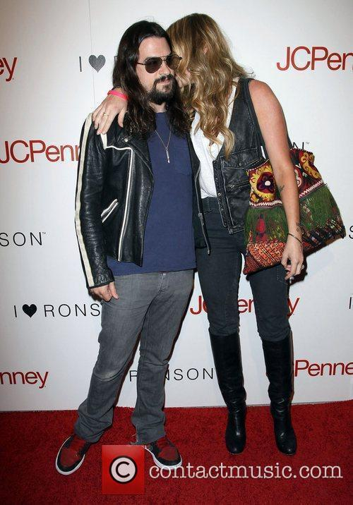 Shooter Jennings and Drea De Matteo 4