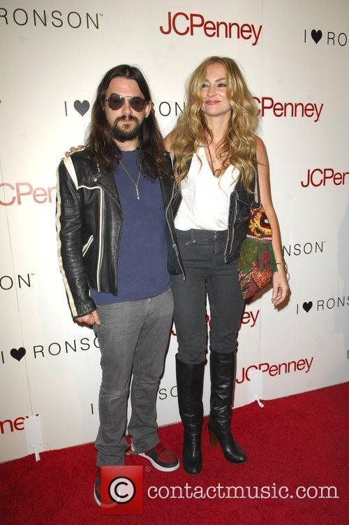 Shooter Jennings and Drea De Matteo 3