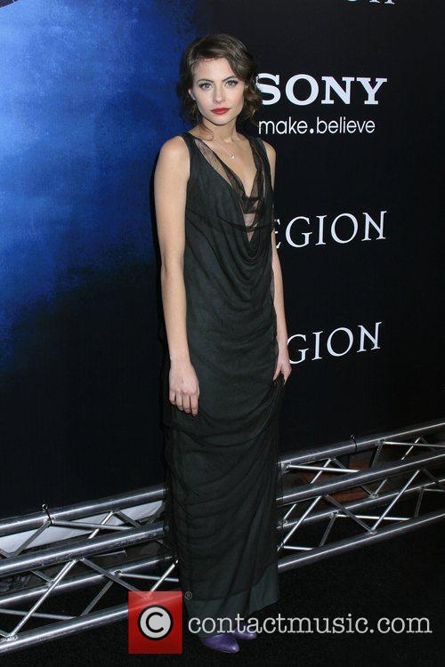 Willa Holland 8