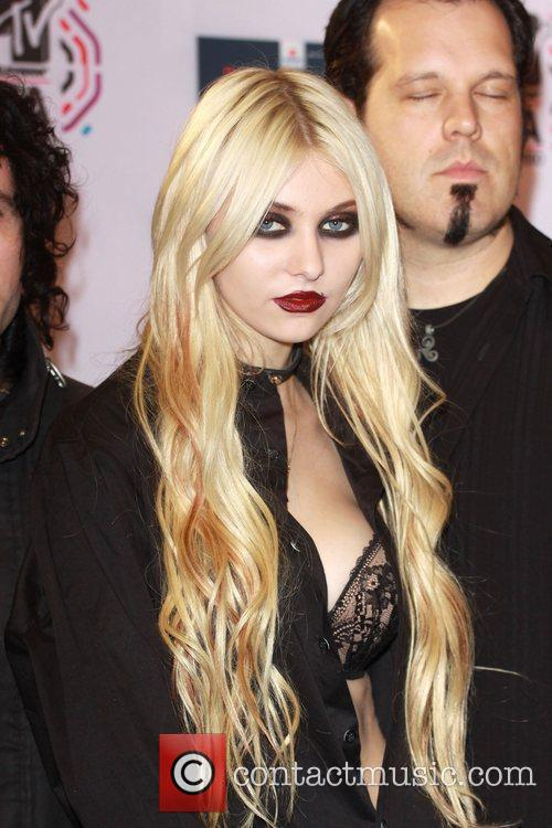 Taylor Momsen and Mtv 1