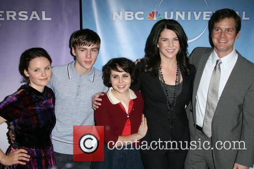 Mae Whitman, Lauren Graham and Peter Krause 5