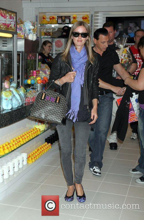 Nicky Hilton  shops at The Sugar Factory...