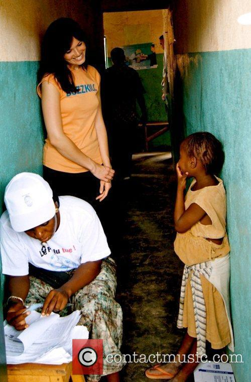 Mandy Moore distributes Bed Nets in Africa