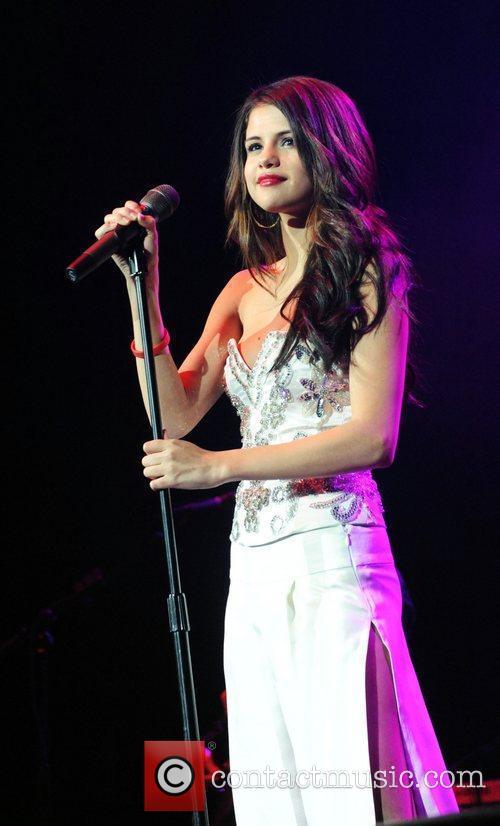 Selena Gomez  The Q102 Jingle Ball at...