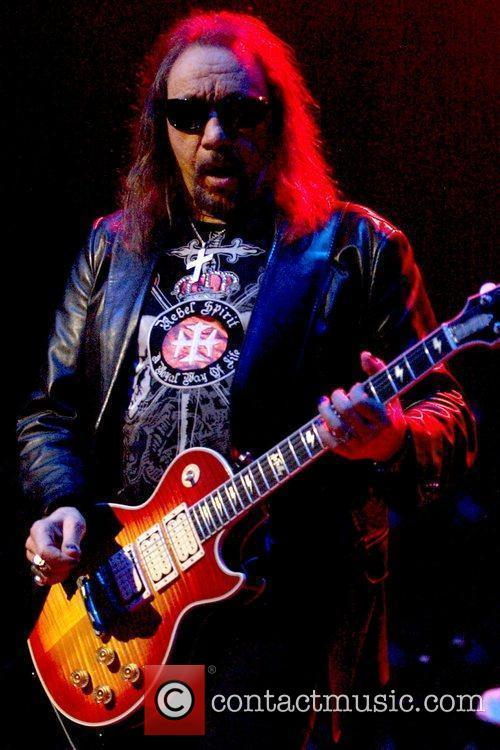 Ace Frehley 9