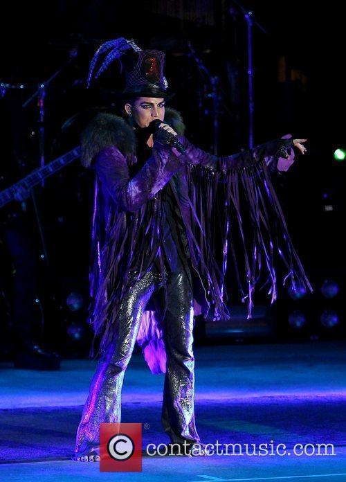 Adam Lambert 44