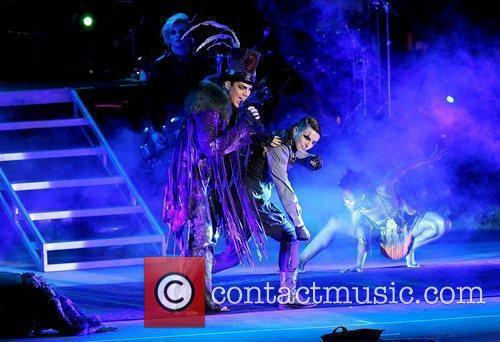 Adam Lambert 31