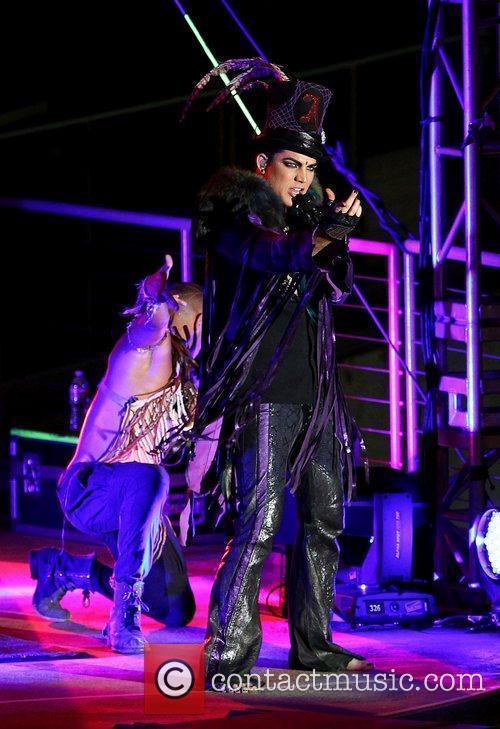 Adam Lambert 32