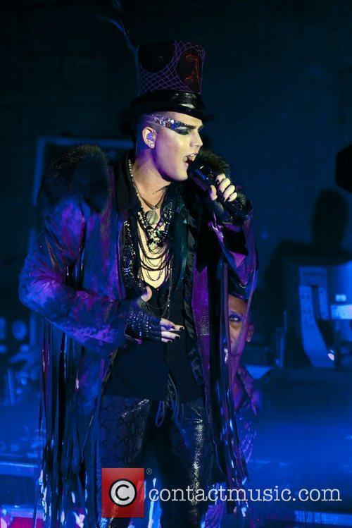 Adam Lambert 19