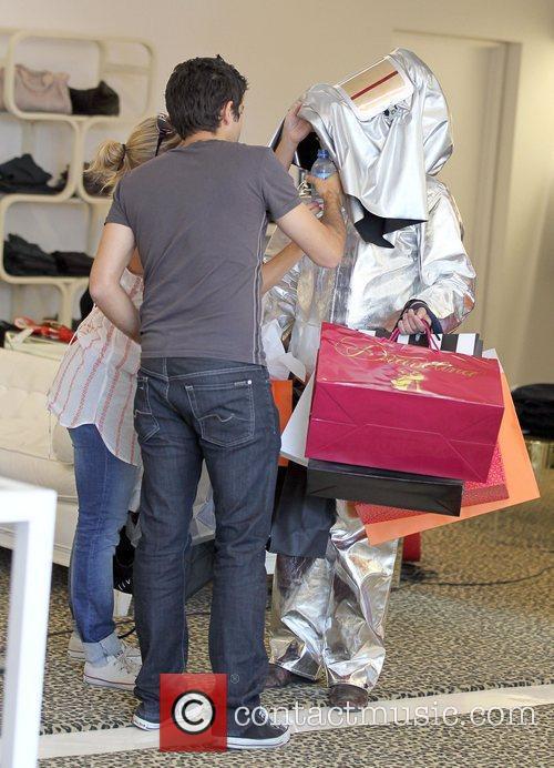 Kim Kardashian and Adrian Grenier 38
