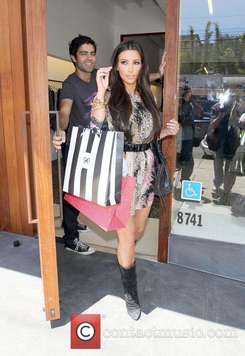 Kim Kardashian and Adrian Grenier 17