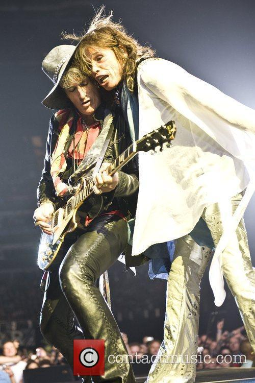 Joe Perry and Steven Tyler 4