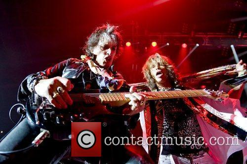 Joe Perry, Steven Tyler, O2 Arena