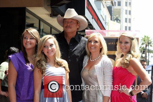 Alan Jackson, His Family, Daughter Mattie Jackson, Daughter Dani Jackson, Wife Denise Jackson and Daughter Ali Jackson 3