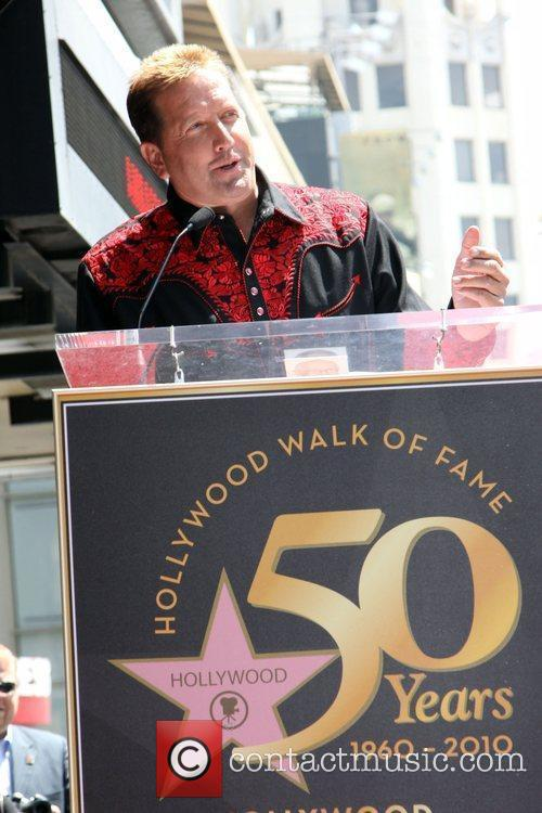 Shawn Parr Alan Jackson is honoured with the...