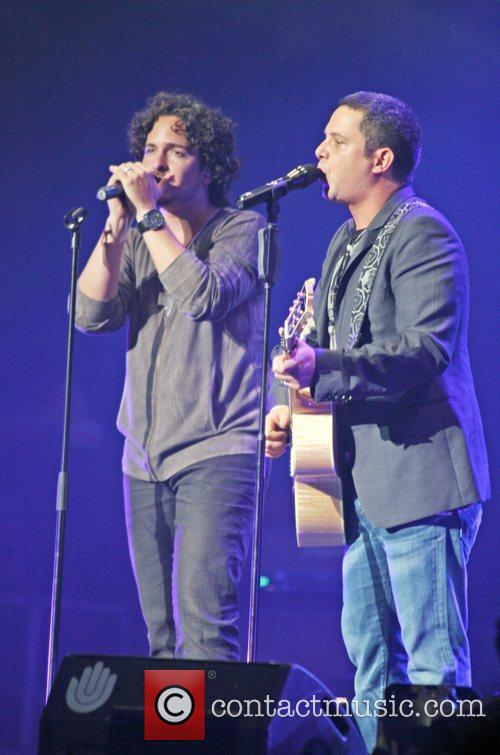 Tommy Torres and Alejandro Sanz 2