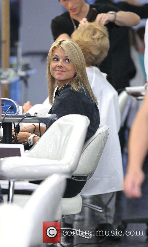 The Bachelorette Star Ali Fedotowsky At Gavert Atelier Salon In Beverly Hills Having Her Hair Cut 5