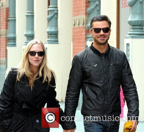 Amanda Seyfried and Dominic Cooper 8