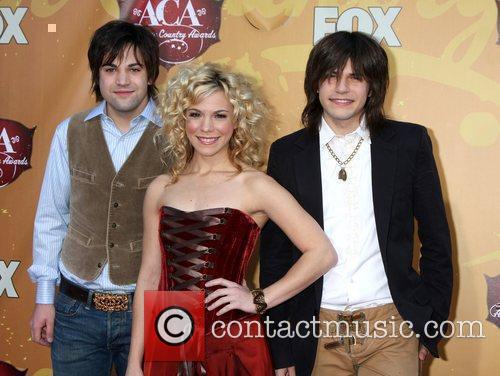 The Band Perry (Neil Perry, Kimberly Perry, Reid...