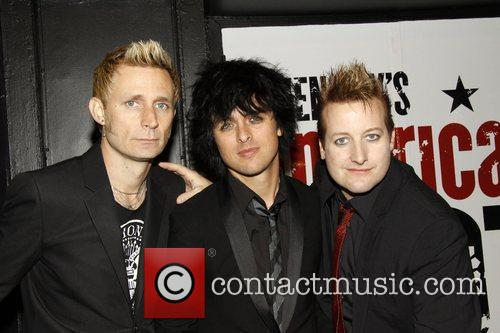 Mike Dirnt and Green Day 5